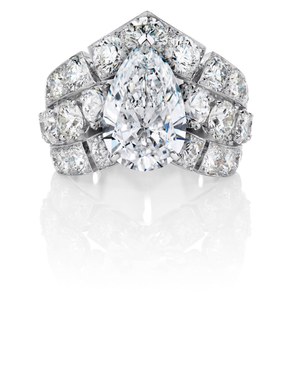 Phenomena Frost 8.01ct Including 3.0ct Centre Diamond Ring by De Beers