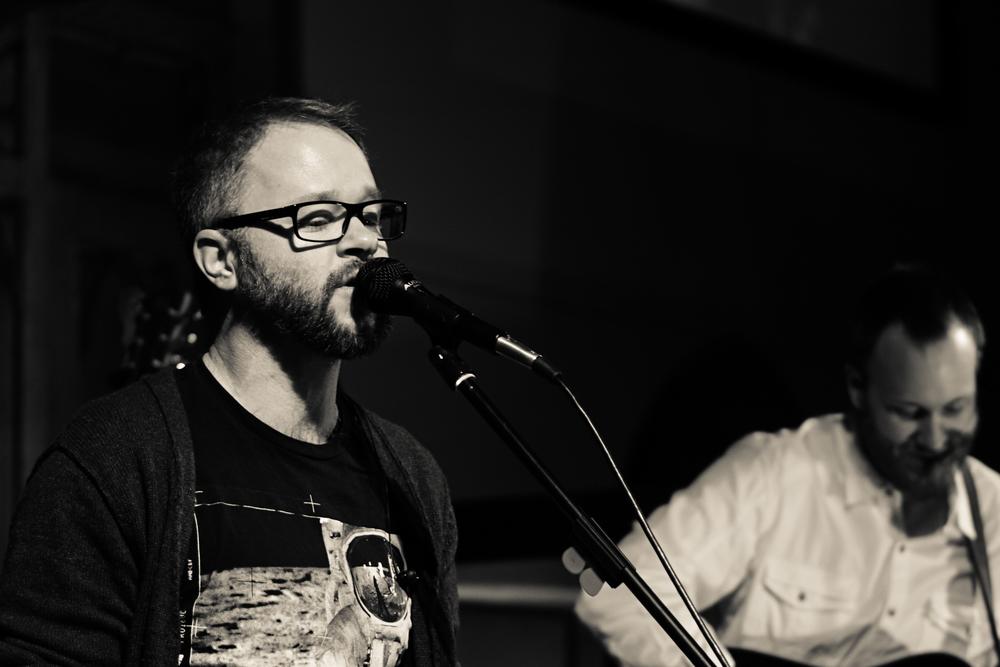 Jeremy Jongejan (singing).jpg