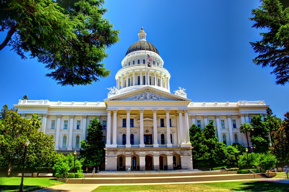 California_State_Capitol_Building_-_Full_Front_Facade.jpg
