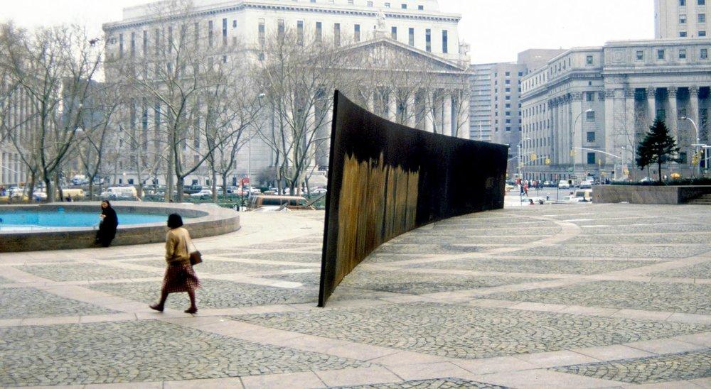 Richard Serra                                                 TIlted Arc                                           Manhattan, 1981