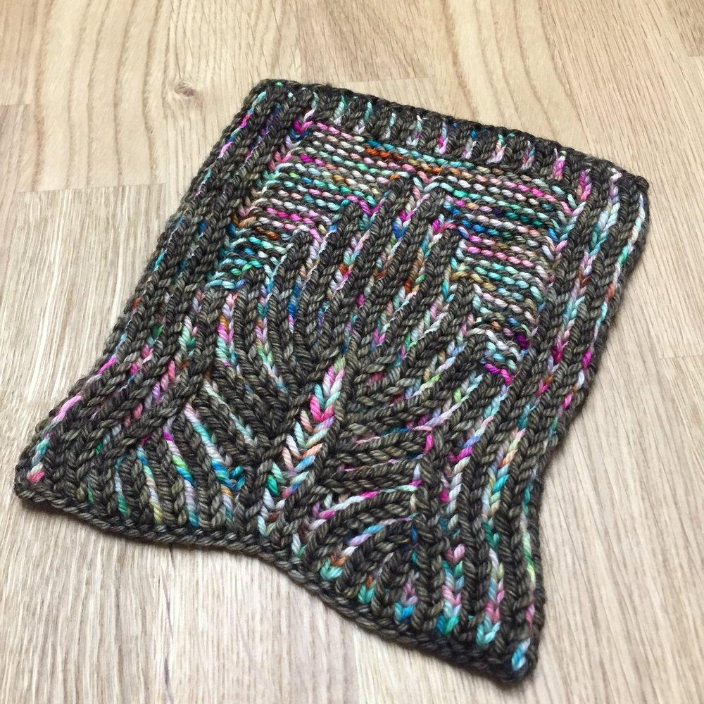 April KALFH #2: Deco Mug Mat — The Unapologetic Knitter