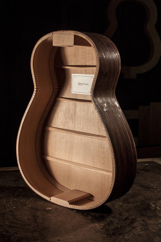 Guitar_inside.jpg
