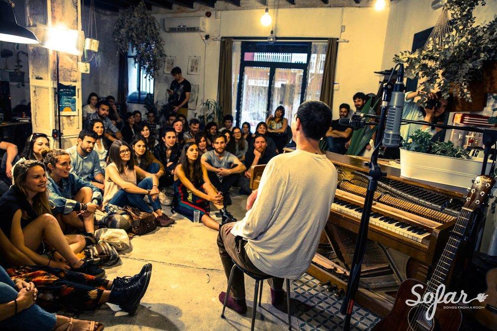 Charlie Lewis at Sofar Madrid
