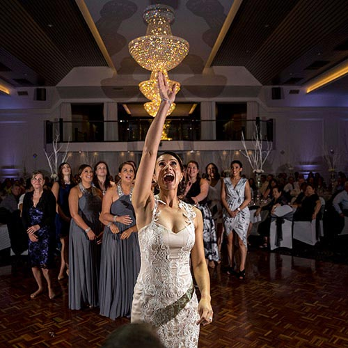 bouquet toss bride john di fede wedding