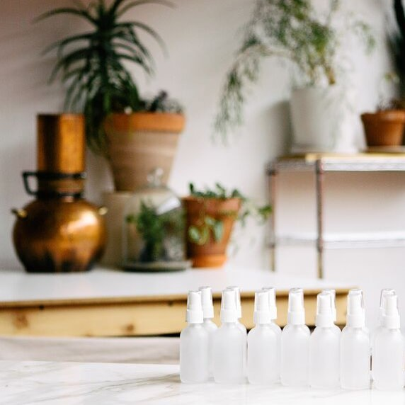 The perfect summer skin tonic, our Rose Geranium Balancing mist is available through @secretcatalog, the only shop to find my new remedy line Ula. A beautiful toner for all skin types, this mist renews hydration and is soothing to dry and sun kissed skin. 🔸🔸🔸 follow the profile link to order yours. #ulaholistic