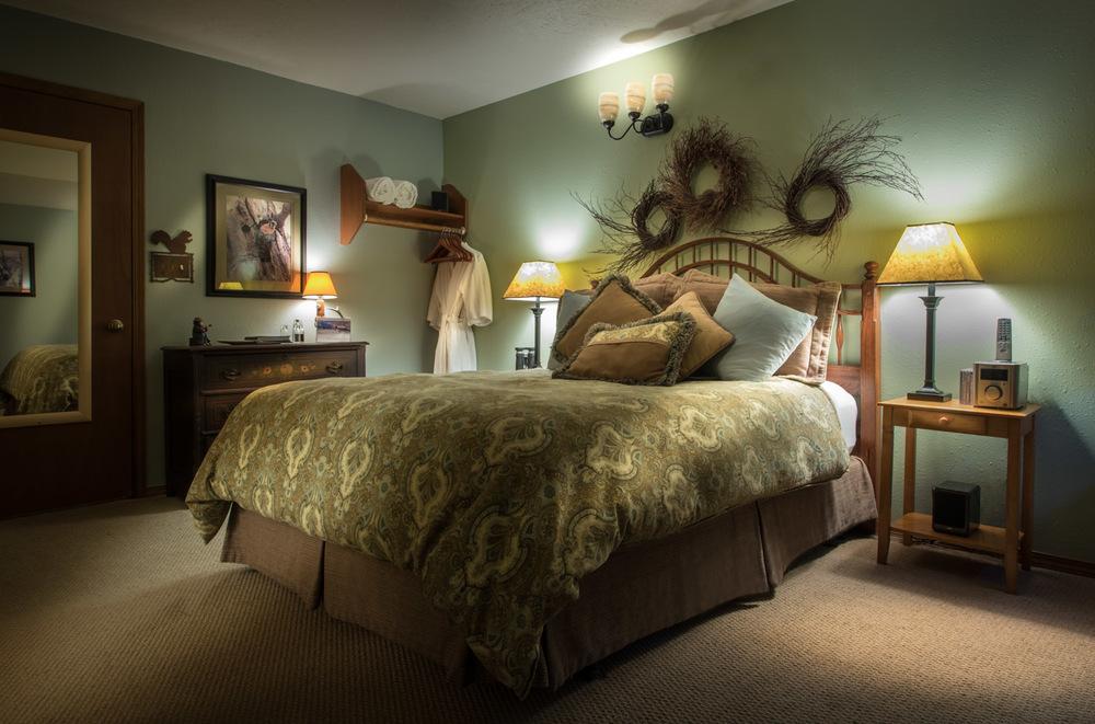 Antique queen bed & dresser