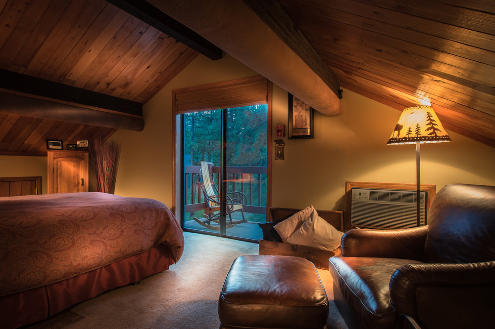 The Hideaway - Secluded at the top of the Lodge with a private balcony, vaulted ceiling and queen bed.
