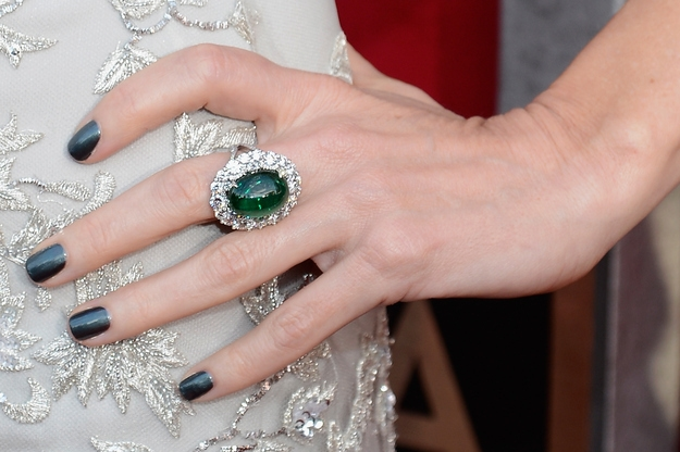 Naomi Watts matched her nails to her ring for a stunning effect at SAG Awards