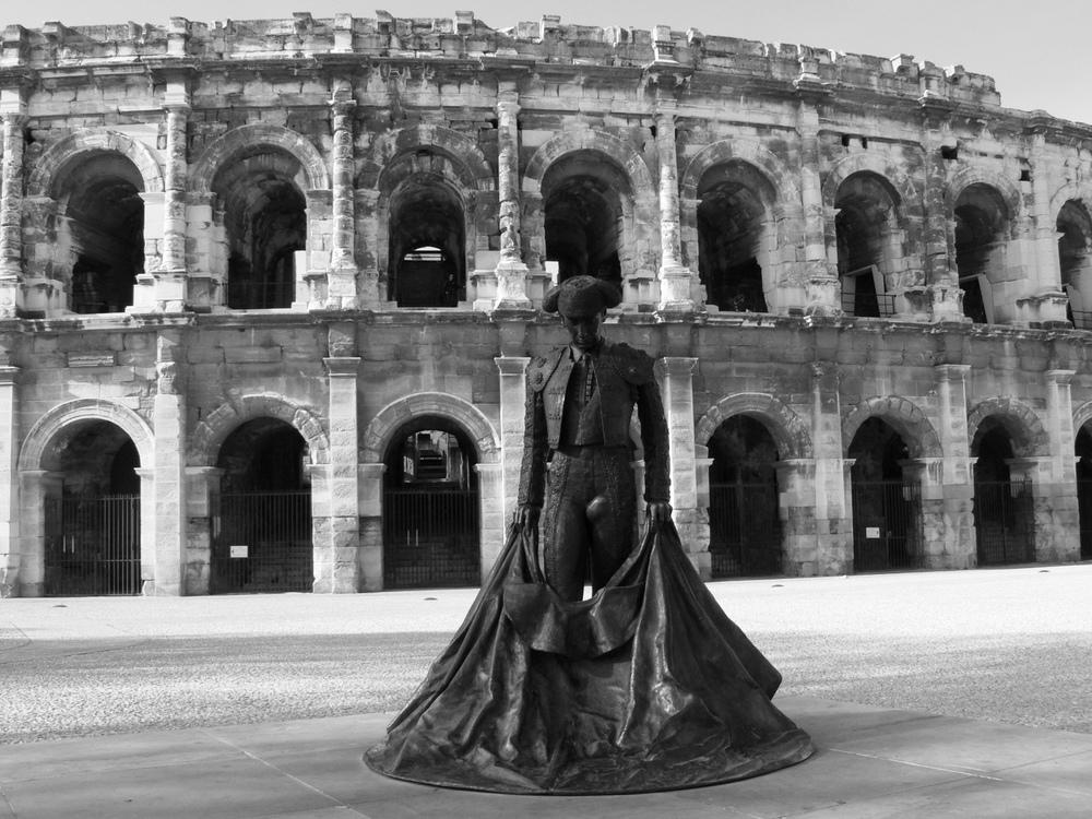 Arènes,authentique monument romain de plus de 2000 ans, parmi lesmieux préservés d'Europe The Arena, more than 2000 years old and one of the best preserved in Europe