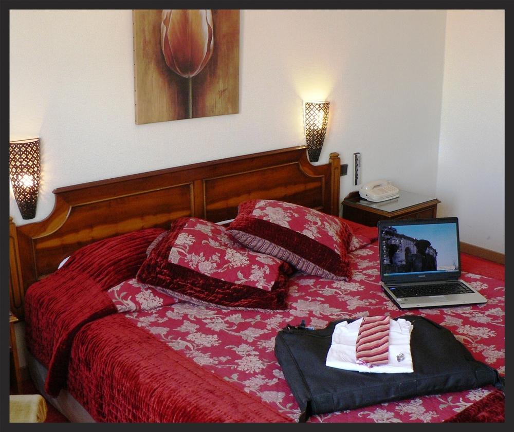 411 bedroom.JPG