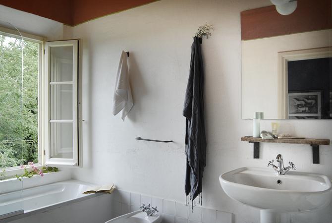 Brentina Est bathroom
