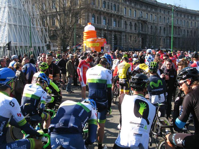 Il gruppo di Milano-Sanremo, just before the neutral start of 10km through the streets of Milano