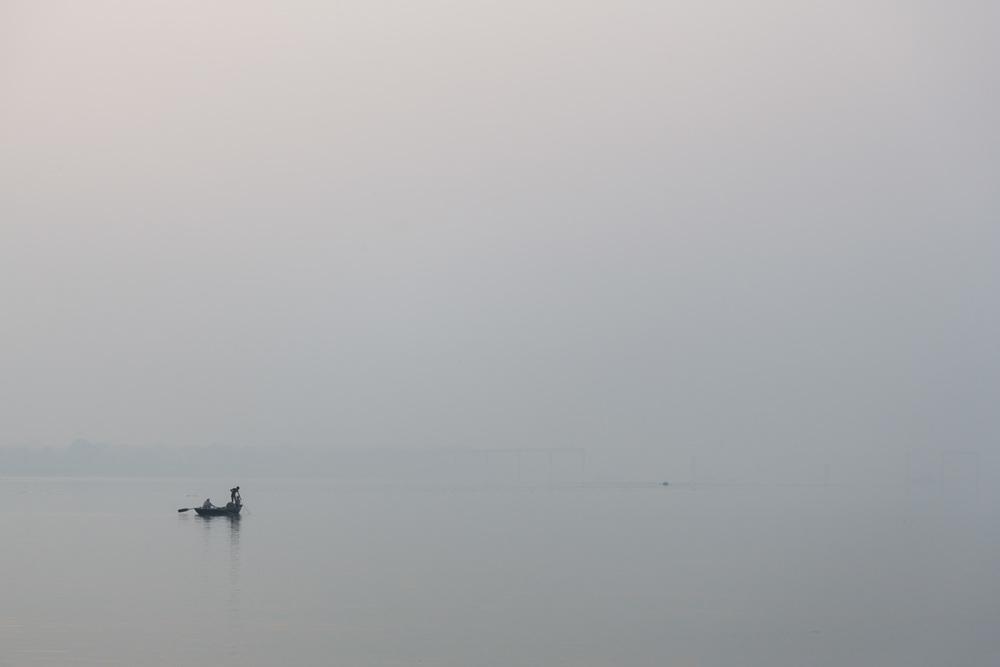 Fishermen on the Ganges in Varanasi - Copyright: Daniel Hofmann
