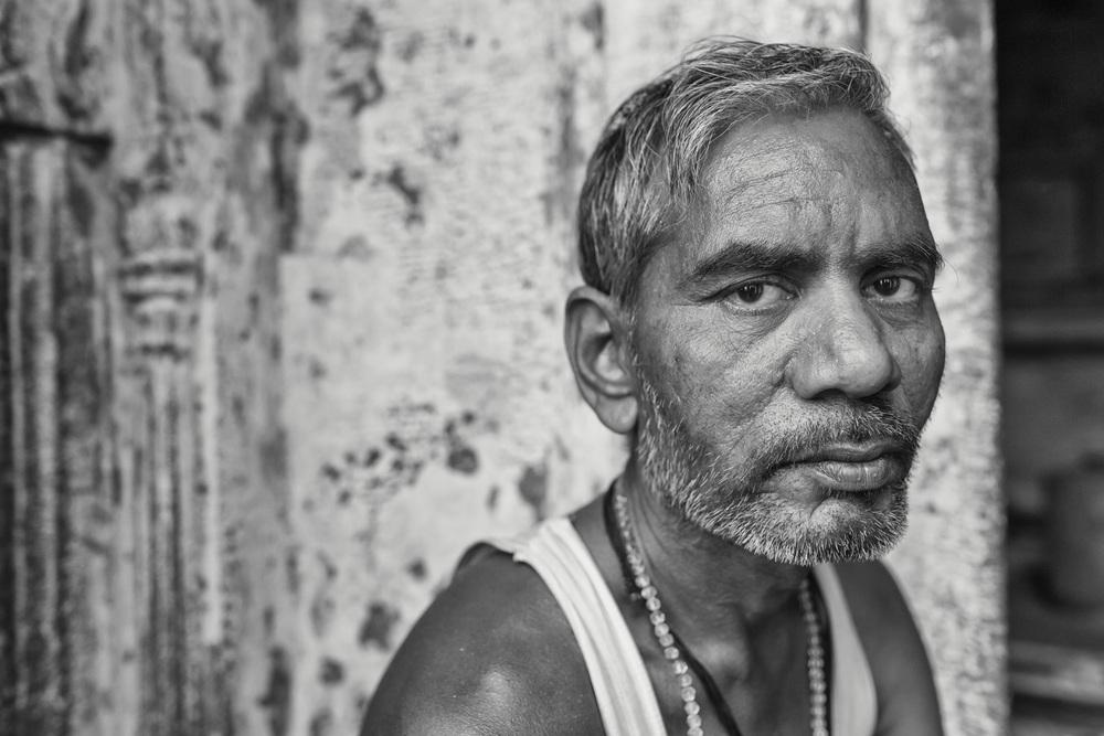 Cow farmer in Varanasi (India). - Copyright: Daniel Hofmann