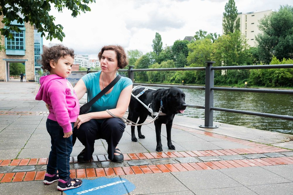 Blind parents raising a child reportage photography germany