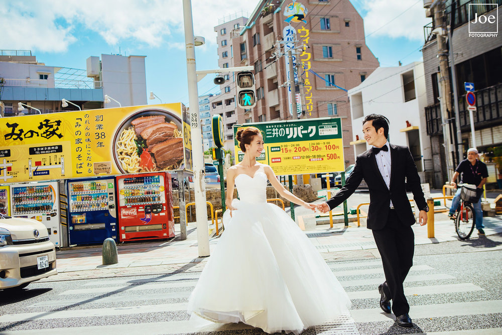 06-okinawa-kokusai-dori-pre-wedding-melody-amigo-joe-fotography.jpg
