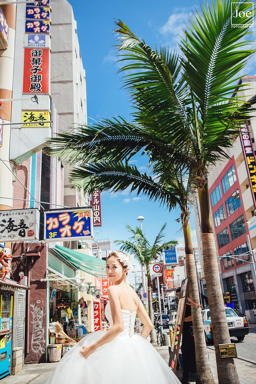 08-okinawa-kokusai-dori-pre-wedding-melody-amigo-joe-fotography.jpg