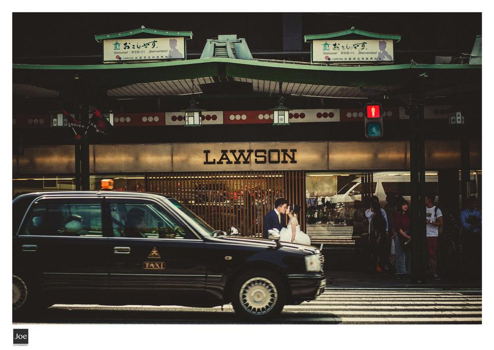 等待到一部經典日本Taxi穿越...