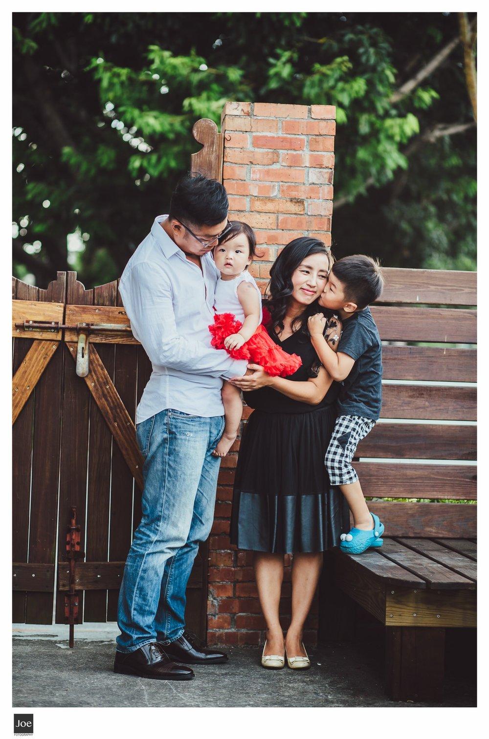joe-fotography-family-photo-pepper-salt-bowtie-027.jpg