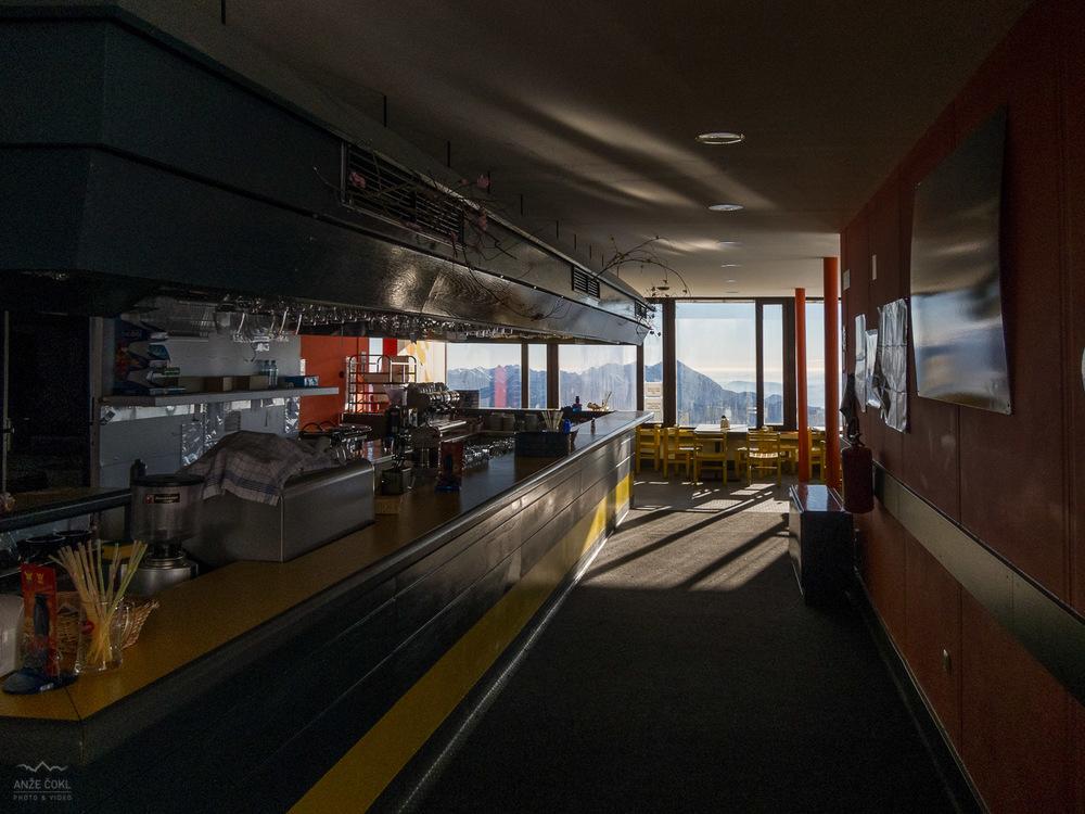 Pogled na notranjost restavracije.