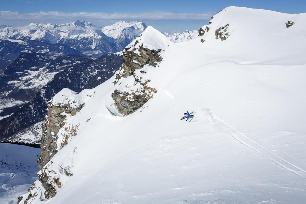 Razgled ob vijuganju v švicarskem Verbier-u in sklenjena alpska avantura.