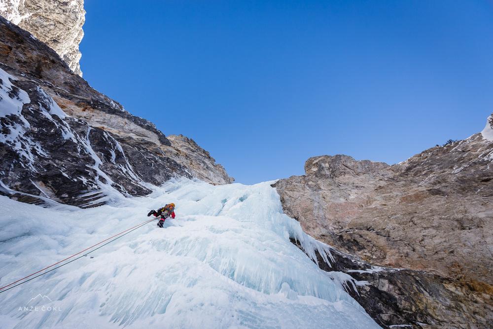 Marko tik pred najtežjim delom v slapu - preko 30 m visokinavpični ledeni zavesi.