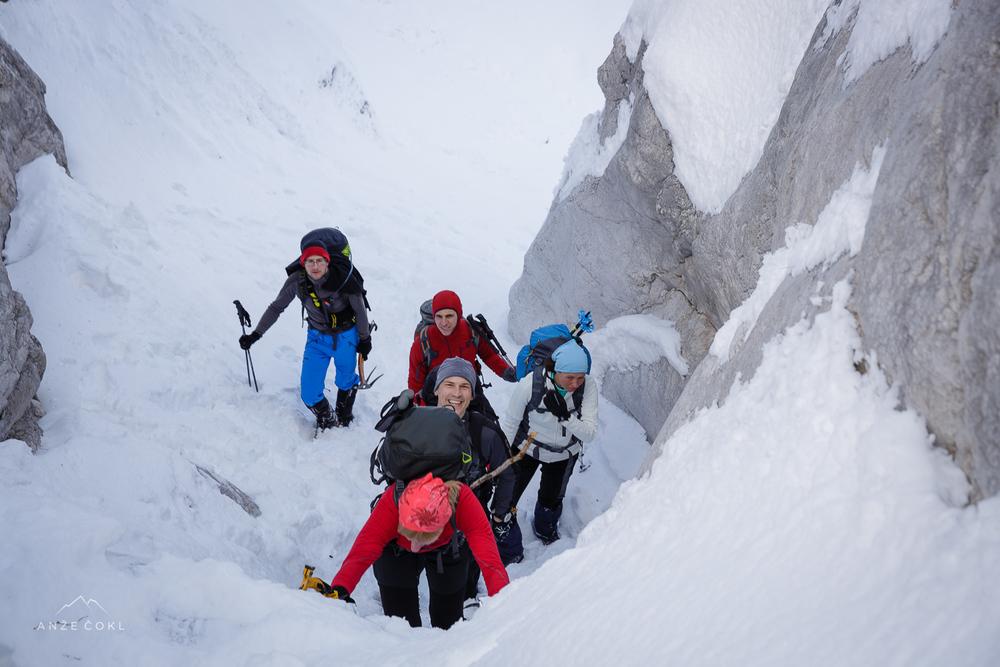 Prvi snežno-ledni skok.