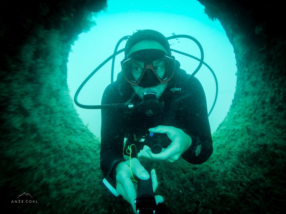Podvodne luknje
