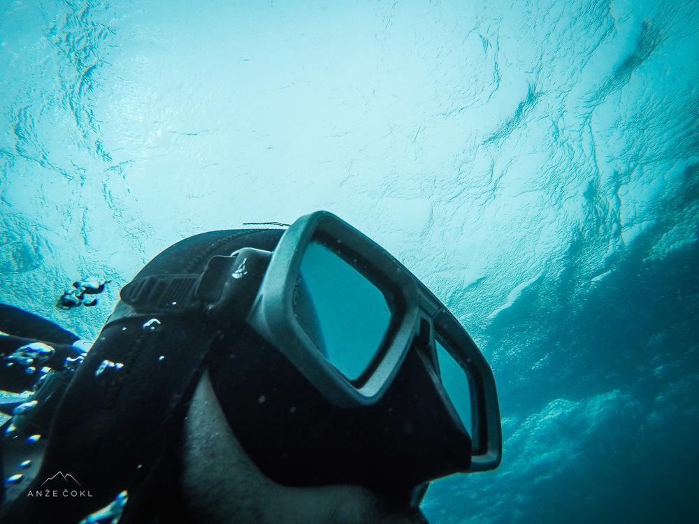 Olimpijski napori ob plavanju proti toku, ko sva se s Pajotom znašla v Portorožu.