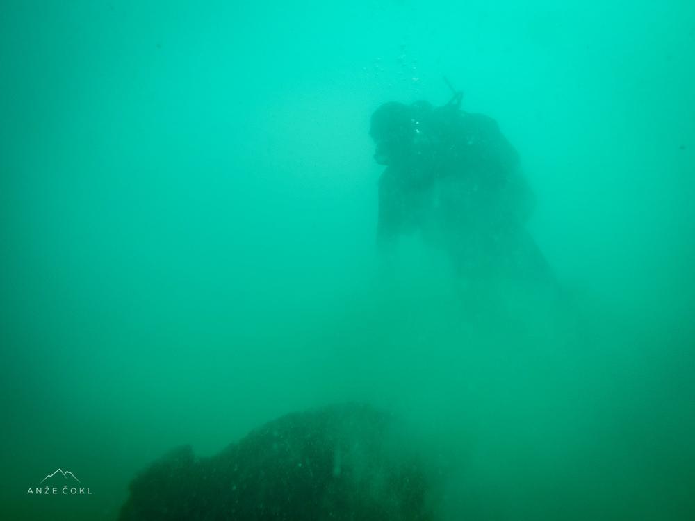 Ostanki podvodne mine.