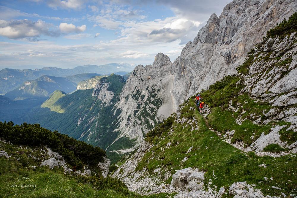 Strma, a razgledna pot visoko nad dolino Kot