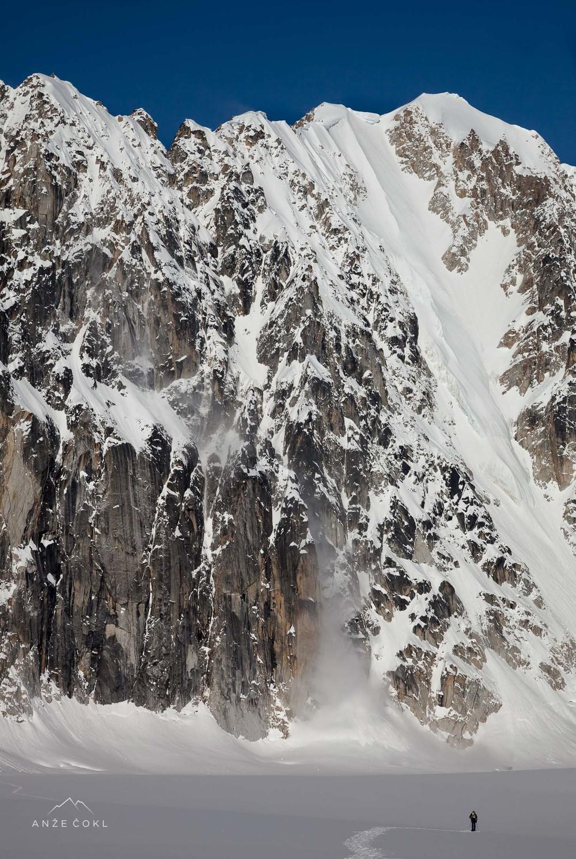 Perspektiva: alpinist dostopa do 1100 m visoke stene.
