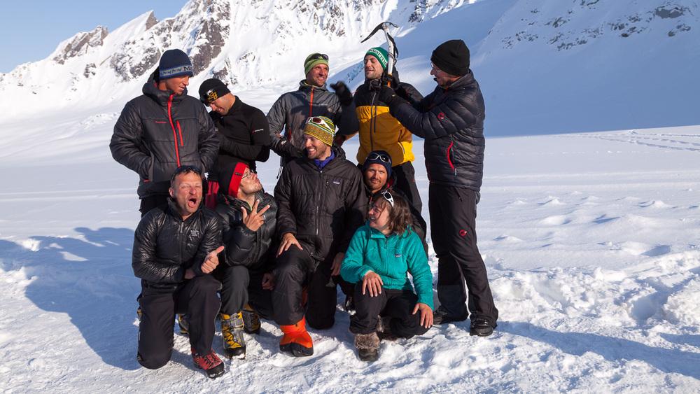 Skupinska fotografija na ledeniku dan pred odhodom nazaj proti civilizaciji!
