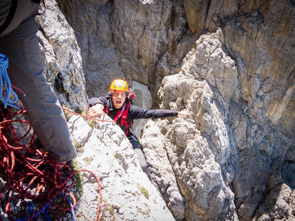 Sicer vrhunski alpinistični smučar Jaka Ortar, ni nič kaj manj vrhunski tudi v skali! Je rekel, da si gre ogledat, če je možno odpeljat kaj v Dolomitih :)