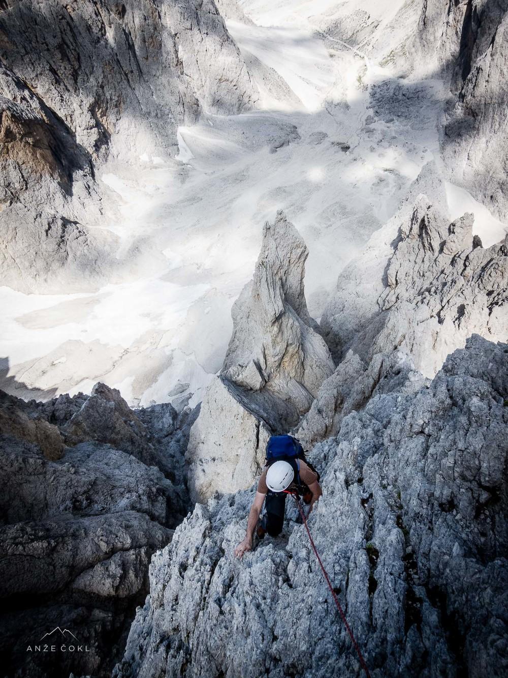 Dolomitske smeri po grebenih niso za tiste, ki se bojijo višine ali izpostavljenosti