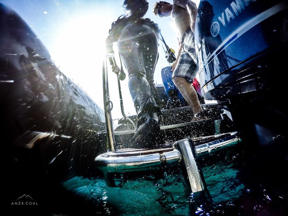 Ob izhodu iz vode te vedno šokira gravitacija, ki je pod vodo ne občutiš.