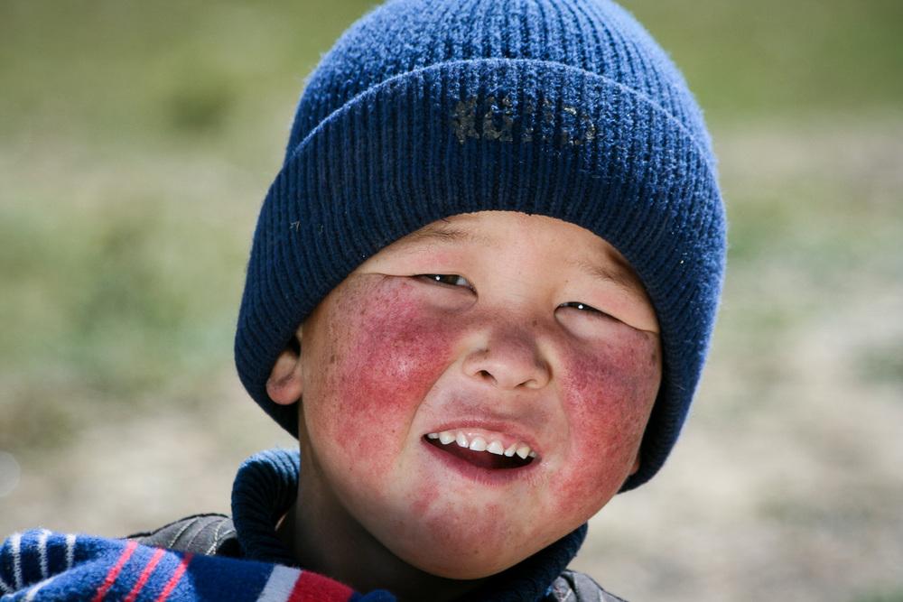 Deček ob cesti, kjer je Džani degustiral kobilje fermentirano mleko. Foto: Jaka Ortar