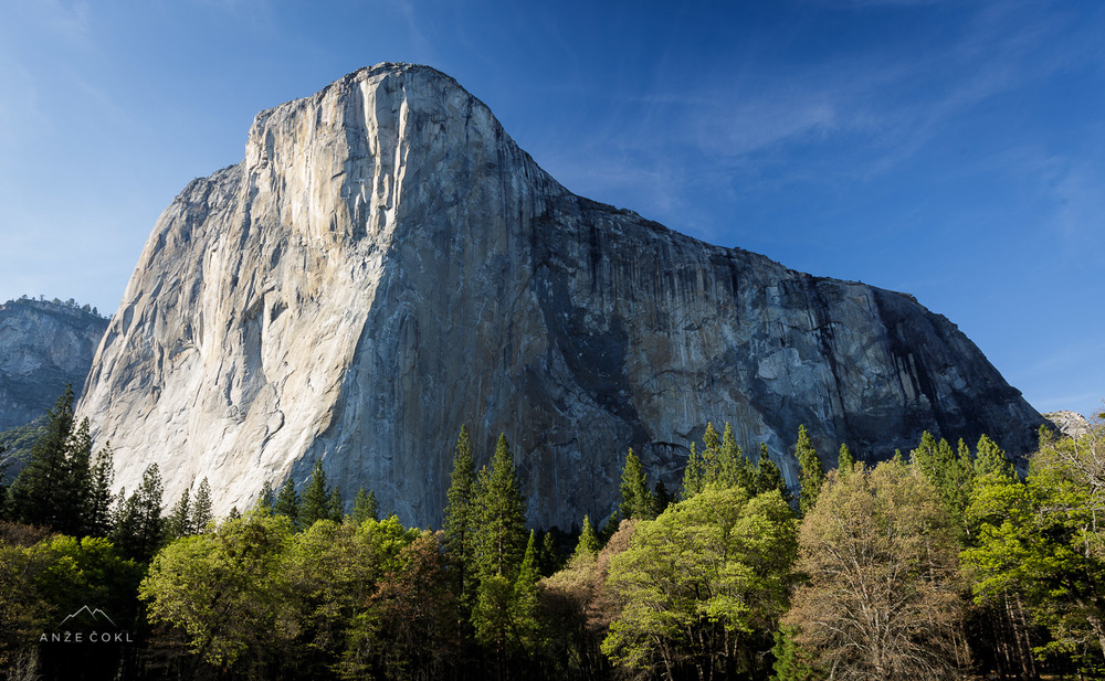 Mogočno ostenje legendarnega El Capitana v nacionalnem parku Yosemite, Kalifornija, ZDA.