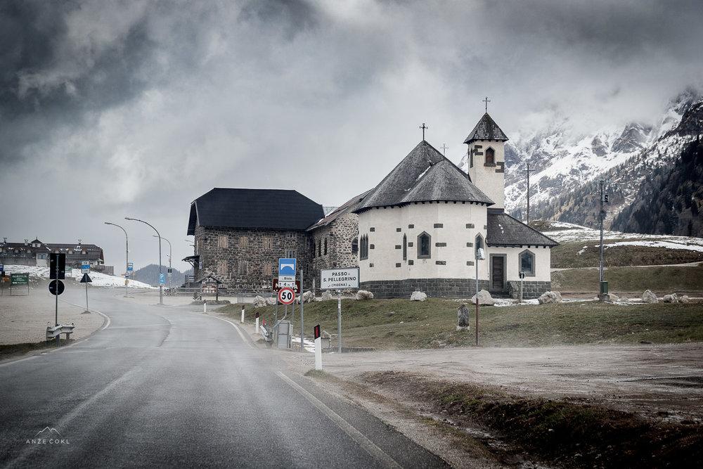 Turobne barve Dolomitov