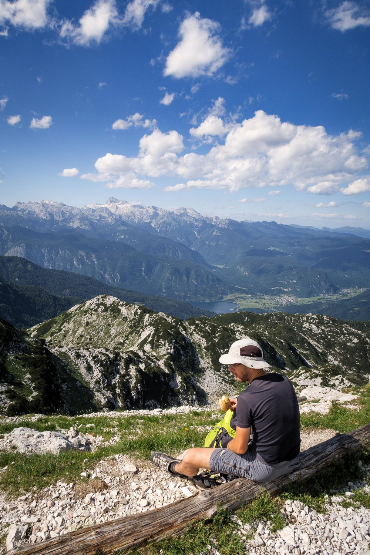 Vrh Rodice in pogled na Jezero.