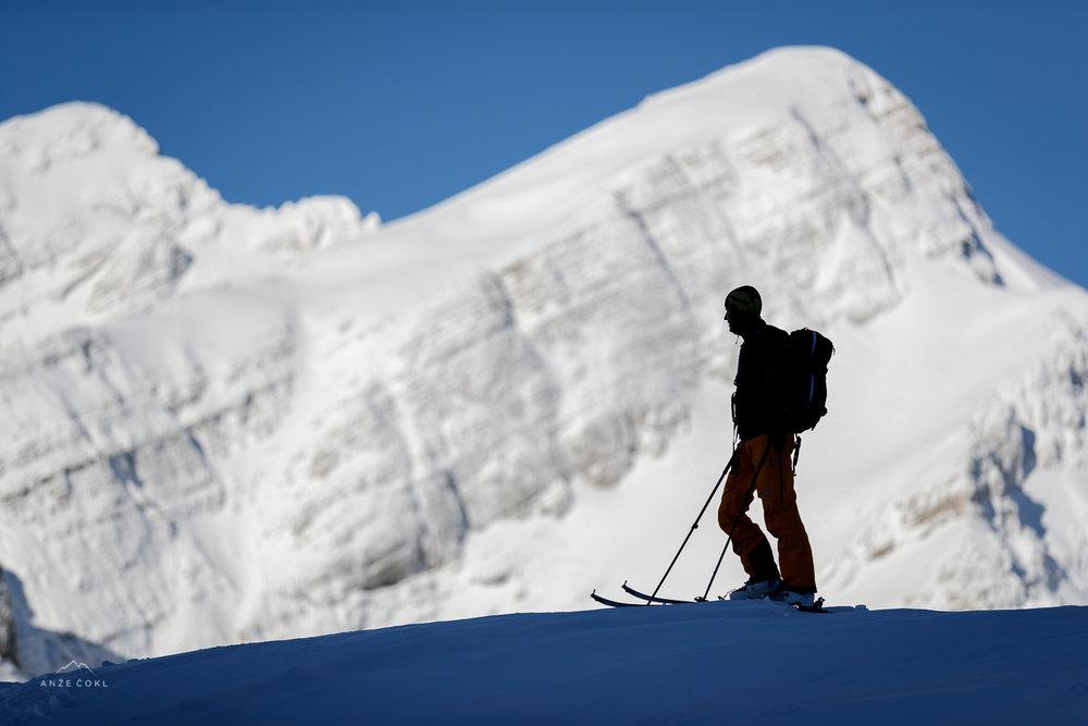 Občudovanje zimskih čudes nad Vršičem