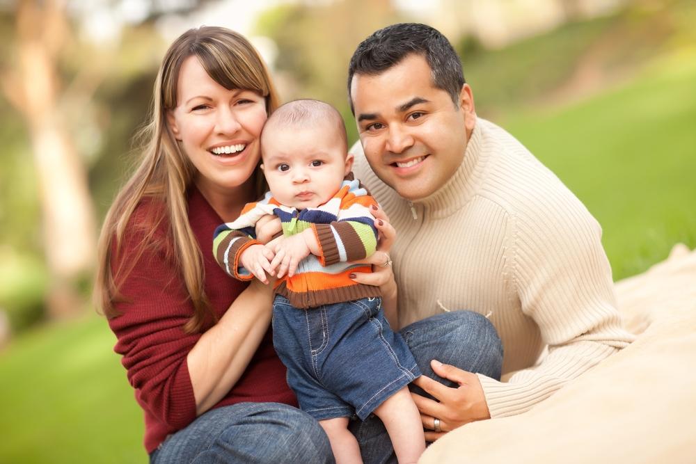 Happy San antonio breastfeeding family