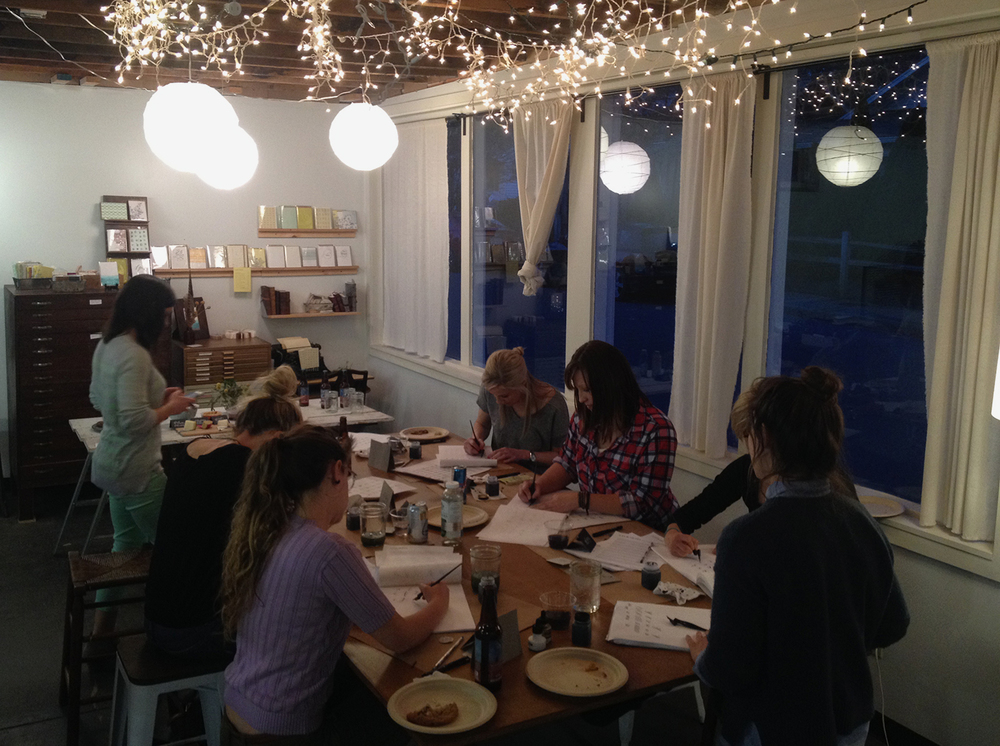 We hosted Chicago based calligrapherJenna Blazevichfor a one night calligraphy workshop where she taught calligraphy basics to diligent students.