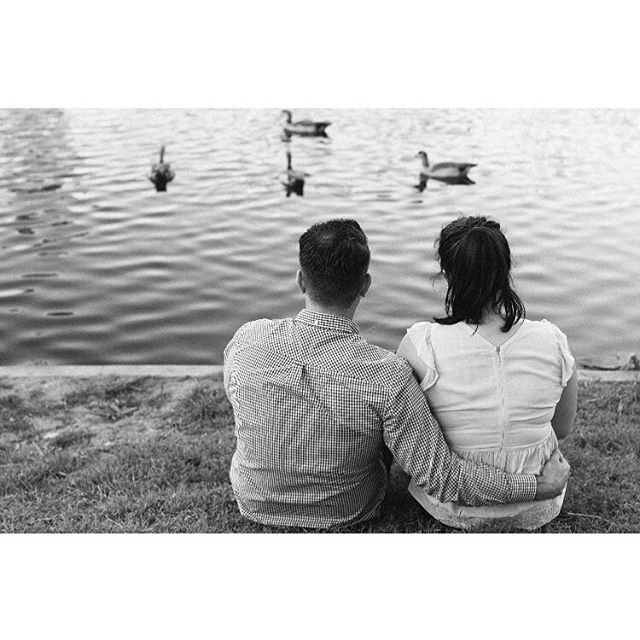 👫🦆 . . . #portraitcollective #portraitphotography #austinportraitphotographer #austin #atxphotographer #atx #creativeportraits #ladybirdlake #lookslikefilm #austinengagementphotographer #texasphotographer #austinweddingphotographer #radlovestories #junebugweddings #bwportrait #lenscultureportrait #featureshoot #austinengagement #texasengagement #radwedmag