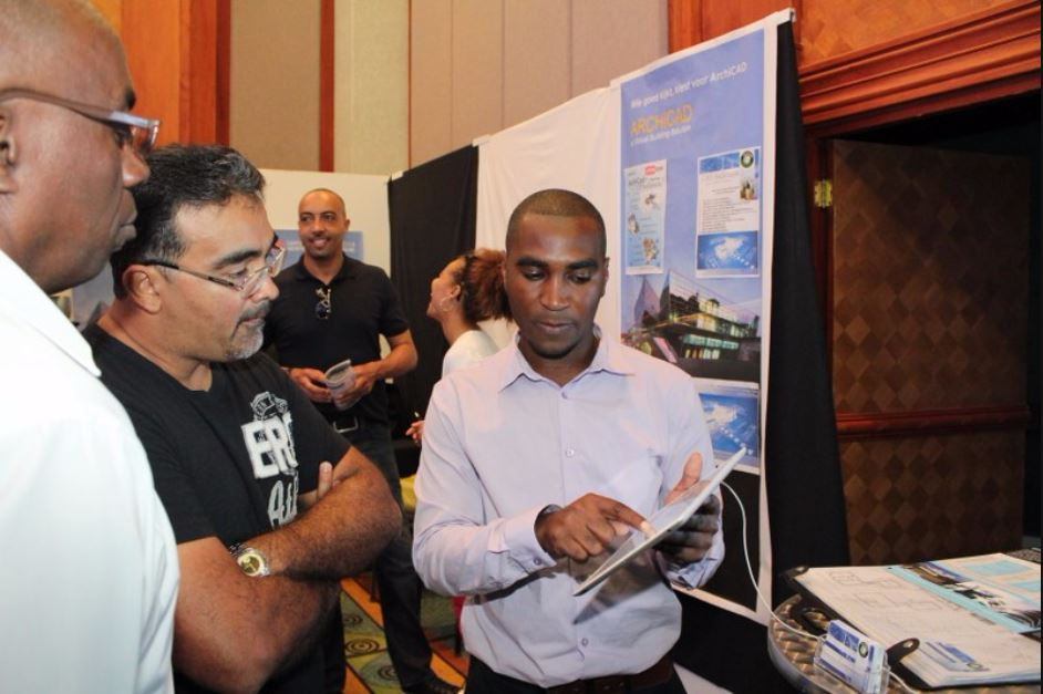 Sharing knowledge at Expocas for FCCA.JPG