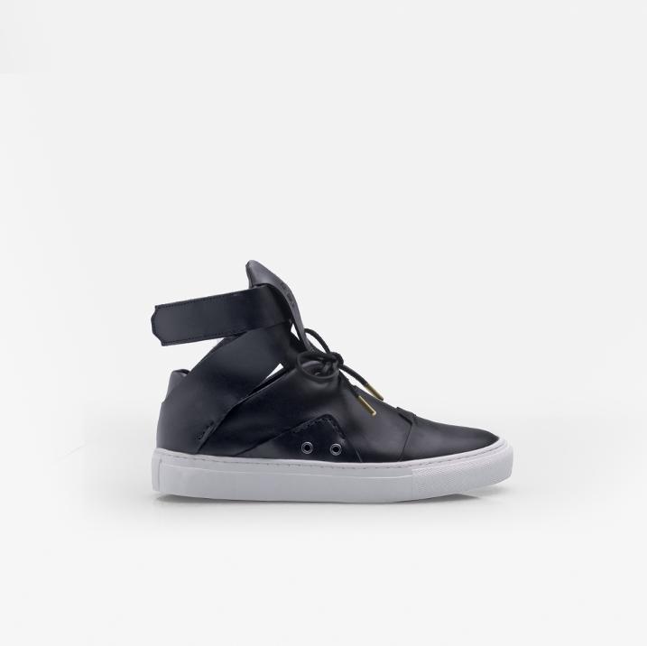 BEAUBOURG Black calfskin leather