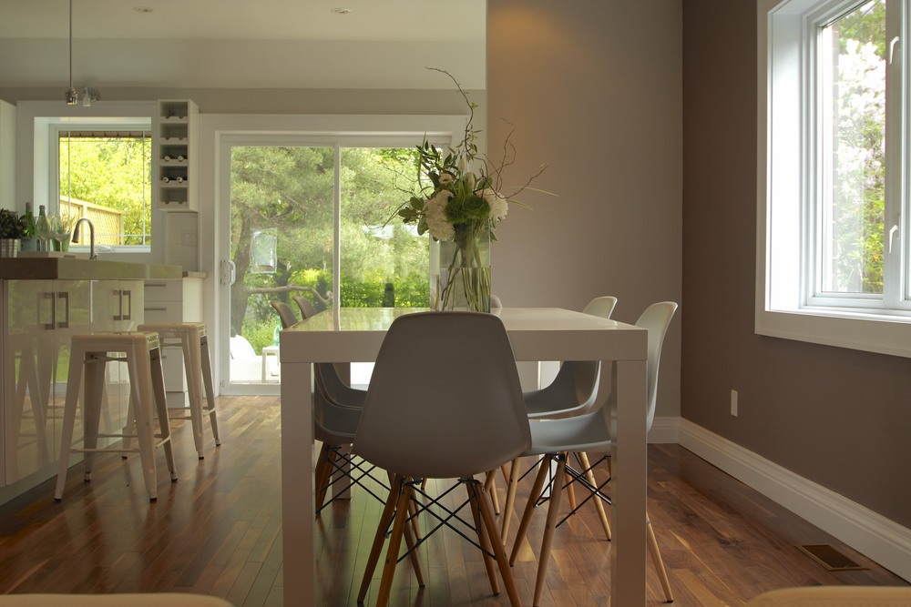 occupied home staging - dining room