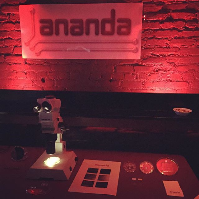 Check out ANANDAs awesome setup for the McGill X1 Demo Day 2015! More pictures coming soon! #demoday #mcgillx1 #ananda #nanotechnology #neurons #microfabrication #microfluidics