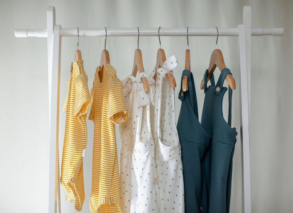 kinder-capsule-size-adjustable-clothing-for-children-6-e1541638150938.jpg