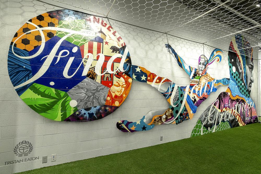 10_nike-store-the-grove-tristan-eaton-soccer-mural_native_1600.jpg